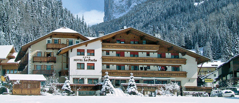 italy_dolomites_canazei_hotel-la-perla_exterior2.jpg